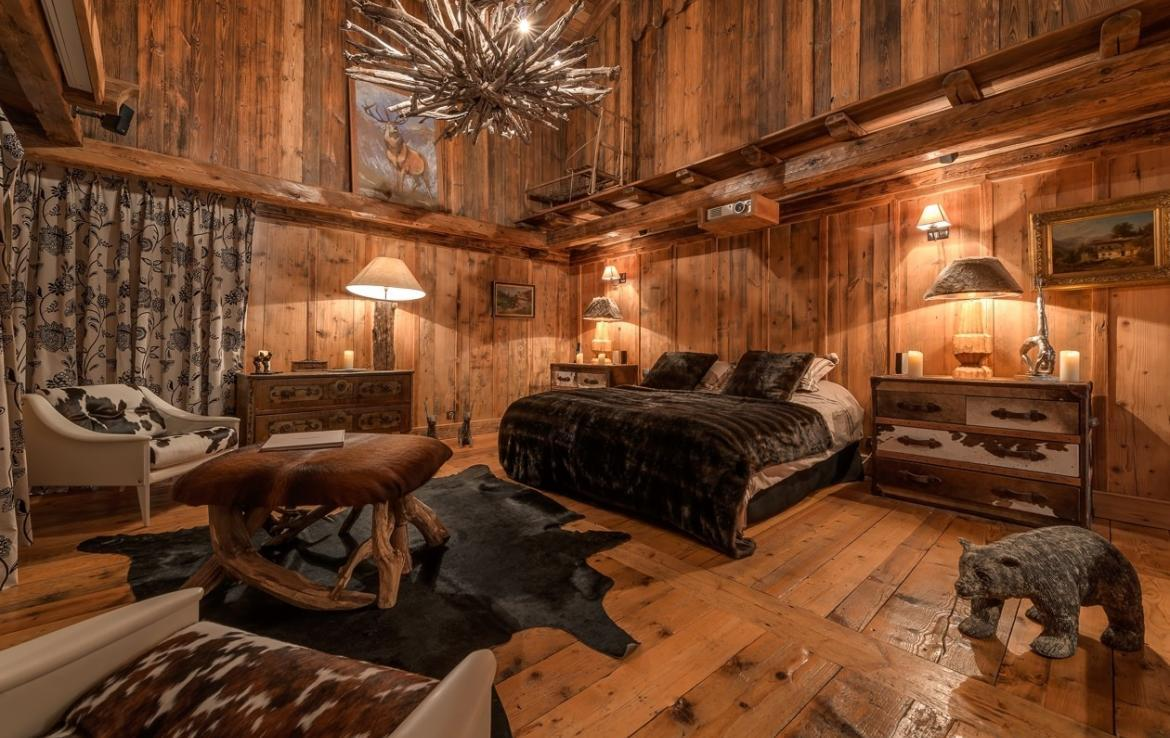 Kings-avenua-val-disere-snow-chalet-outdoor-jacuzzi-hammam-swimming-pool-childfriendly-gym-foot-heaters-fireplace-bar-massage-room-lift-area-val-disere-003-9