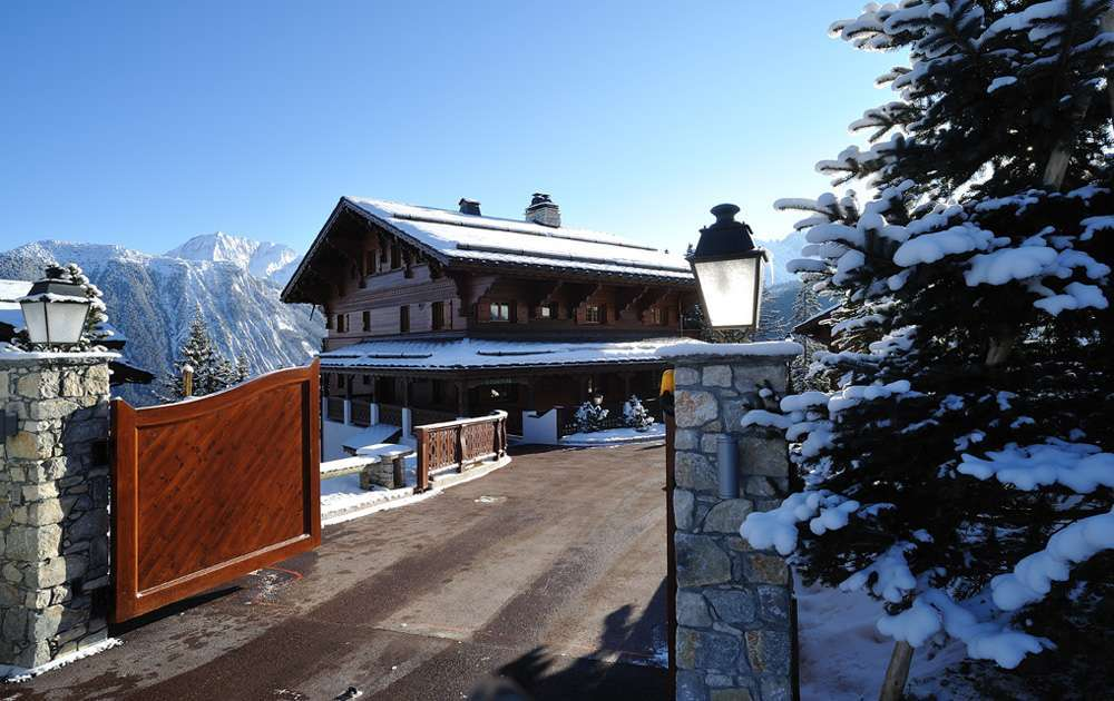Kings-avenue-courchevel-dvd-tv-hifi-fax-wifi-hammam-parking-boot-heaters-fireplace-ski-in-ski-out-spa-pool-area-courchevel-093