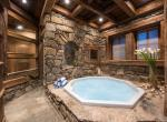 Kings-avenue-courchevel-jacuzzi-hammam-boot-heaters-fireplace-welness-area-close-proximity-to-slopes-area-courchevel-029-21