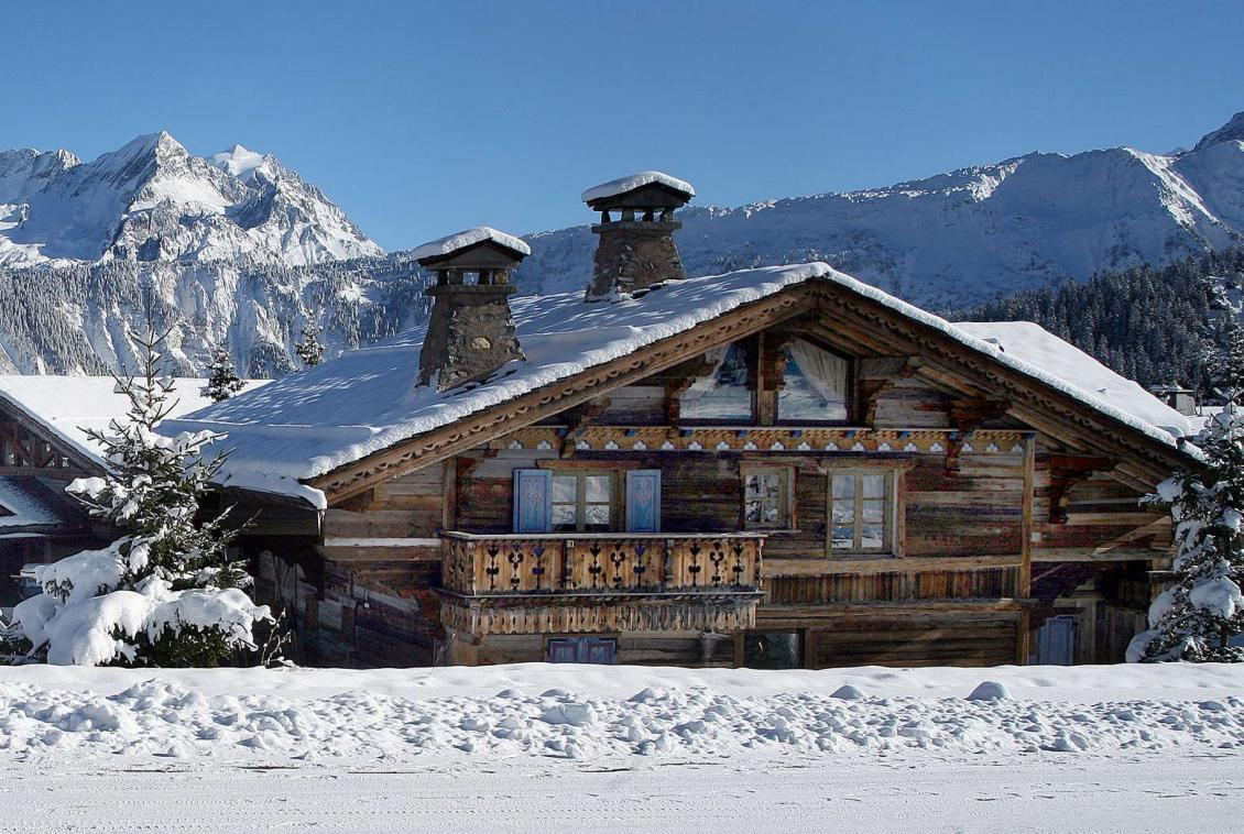 Kings-avenue-courchevel-sauna-hammam-swimming-pool-childfriendly-parking-boot-heaters-fireplace-mezzanine-tv-videos-area-courchevel-025