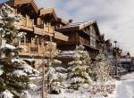 Kings-avenue-courchevel-sauna-jacuzzi-hammam-swimming-pool-childfriendly-parking-kids-playroom-games-room-boot-heaters-fireplace-ski-in-ski-out-area-courchevel-035-12