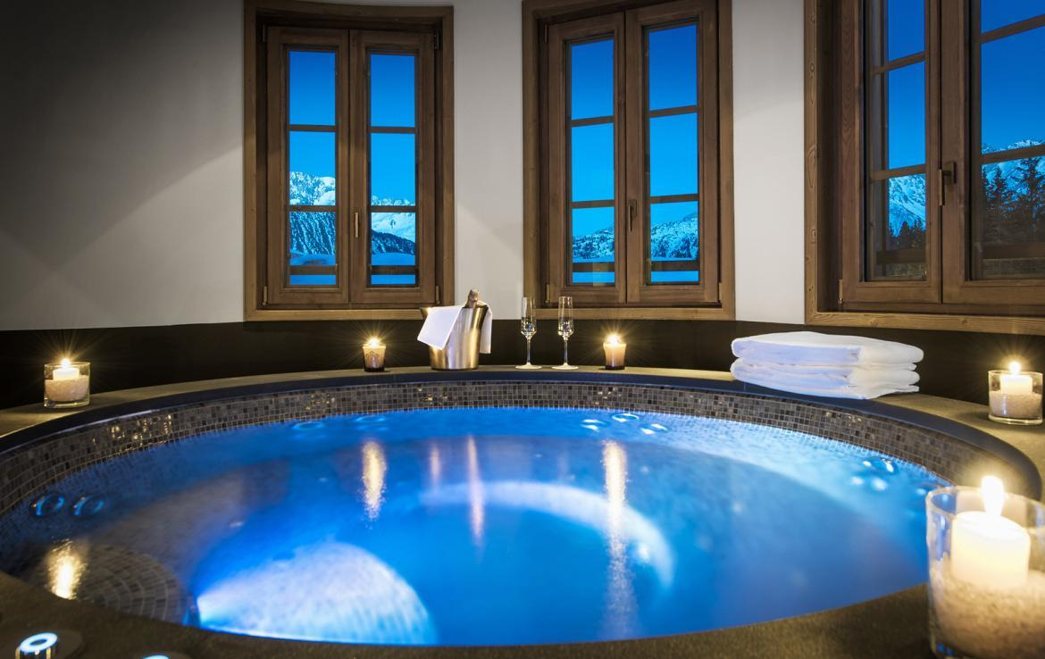 Kings-avenue-courchevel-sauna-jacuzzi-hammam-swimming-pool-childfriendly-parking-kids-playroom-games-room-boot-heaters-fireplace-ski-in-ski-out-area-courchevel-035-9