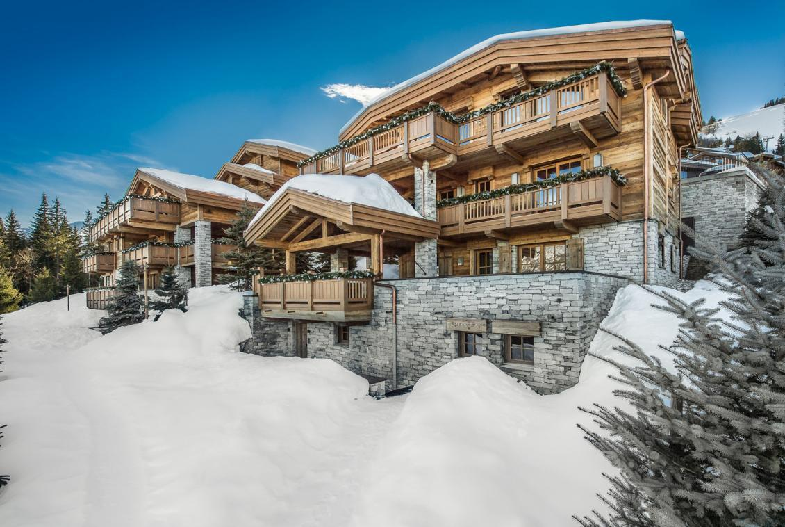 Kings-avenue-courchevel-sauna-jacuzzi-hammam-swimming-pool-cinema-games-room-gym-boot-heaters-fireplace-ski-in-ski-out-wine-cellar-parking-lift-area-courchevel-017