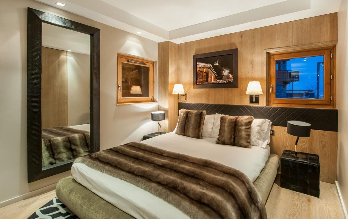 Kings-avenue-gourchevel-moriond-jacuzzi-hammam-childfriendly-parking-gym-boot-heaters-fireplace-massage-room-cinema-room-lounge-area-area-gourchevel-moriond-008-12
