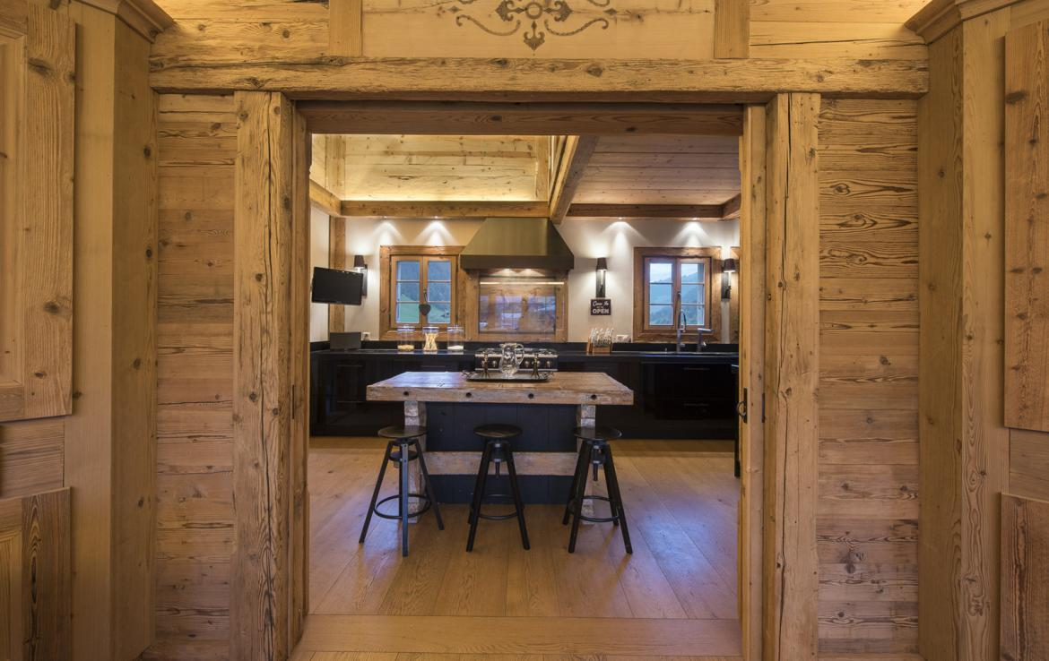 Kings-avenue-gstaad-sauna-hammam-childfriendly-parking-kids-playroom-games-room-gym-boot-heaters-fireplace-cinema-room-plunge-pool-area-gstaad-004-10
