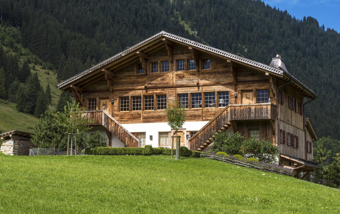 Kings-avenue-gstaad-sauna-hammam-childfriendly-parking-kids-playroom-games-room-gym-boot-heaters-fireplace-cinema-room-plunge-pool-area-gstaad-004