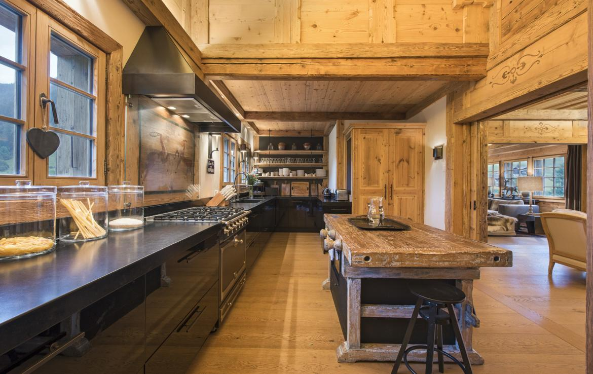 Kings-avenue-gstaad-sauna-hammam-childfriendly-parking-kids-playroom-games-room-gym-boot-heaters-fireplace-cinema-room-plunge-pool-area-gstaad-004-9