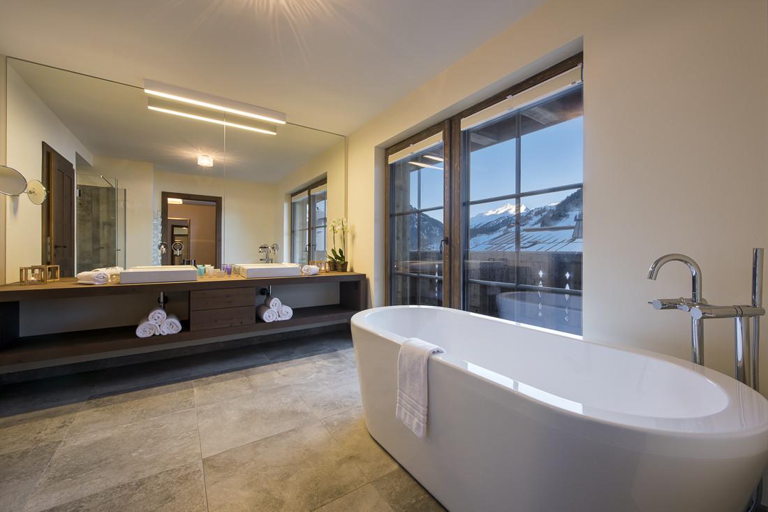 Kings-avenue-st-anton-snow-sauna-hammam-swimming-pool-childfriendly-boot-heaters-fireplace-fitness-centre-bar-balcony-terrace-area-st-anton-002-6