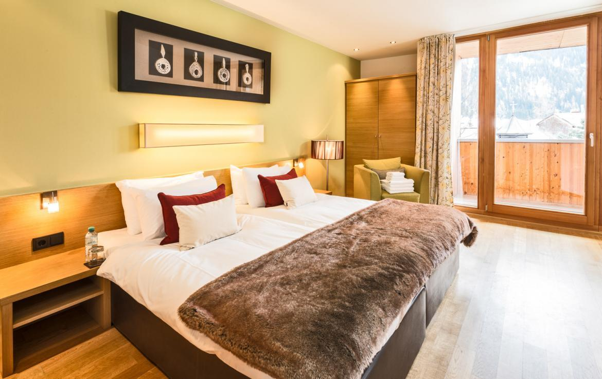 Kings-avenue-st-anton-snow-tv-wifi-sauna-jacuzzi-hammam-swimming-pool-childfriendly-boot-heaters-fireplace-massage-room-cinema-rooftop-balcony-area-st-anton-004-20