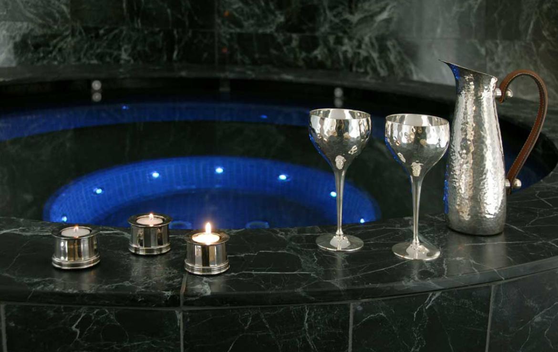 Kings-avenue- St-moritz-sauna-jacuzzi-hammam-childfriendly-parking-gym-fireplace-massage-room-area-st-moritz-001-11