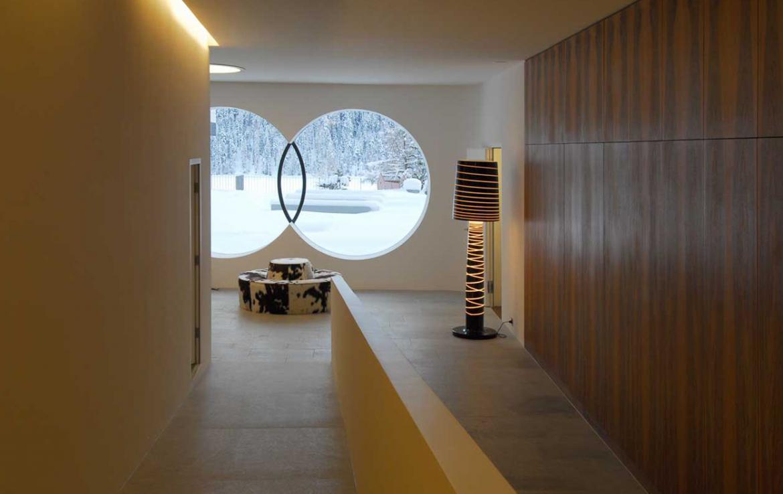 Kings-avenue- St-moritz-sauna-jacuzzi-hammam-childfriendly-parking-gym-fireplace-massage-room-area-st-moritz-001