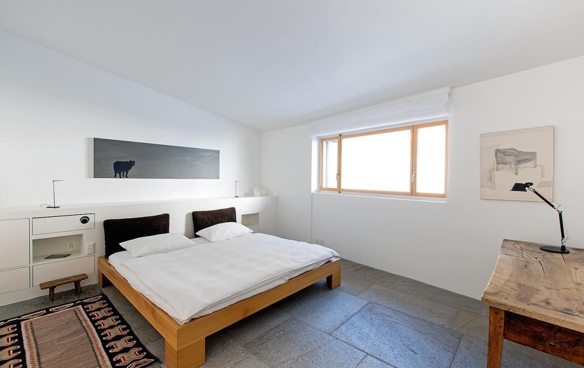 Kings-avenue- St-moritz-wifi-childfriendly-`parking-kids-playroom-games-room-gym-fireplace-wellness-area-hammam-area-st-moritz-002-13