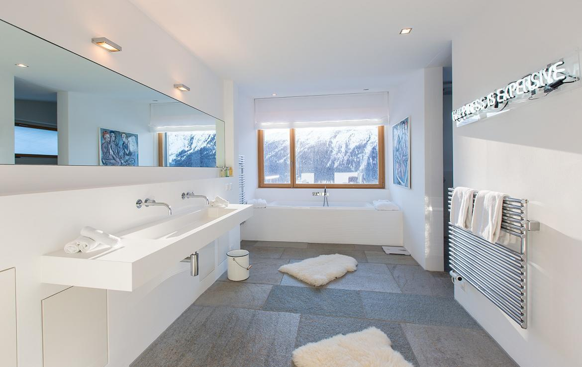 Kings-avenue- St-moritz-wifi-childfriendly-`parking-kids-playroom-games-room-gym-fireplace-wellness-area-hammam-area-st-moritz-002-14