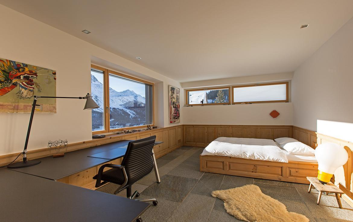Kings-avenue- St-moritz-wifi-childfriendly-`parking-kids-playroom-games-room-gym-fireplace-wellness-area-hammam-area-st-moritz-002-19