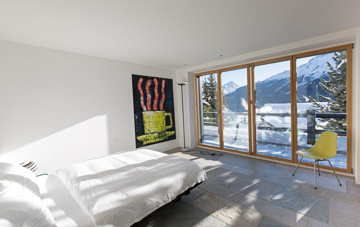 Kings-avenue- St-moritz-wifi-childfriendly-`parking-kids-playroom-games-room-gym-fireplace-wellness-area-hammam-area-st-moritz-002-22