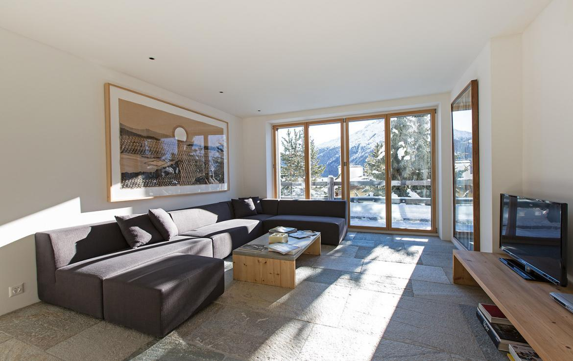 Kings-avenue- St-moritz-wifi-childfriendly-`parking-kids-playroom-games-room-gym-fireplace-wellness-area-hammam-area-st-moritz-002-23