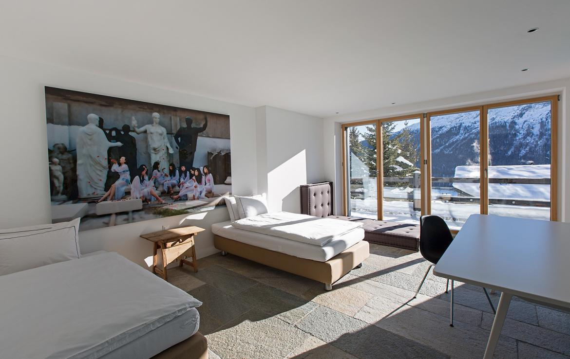 Kings-avenue- St-moritz-wifi-childfriendly-`parking-kids-playroom-games-room-gym-fireplace-wellness-area-hammam-area-st-moritz-002-26