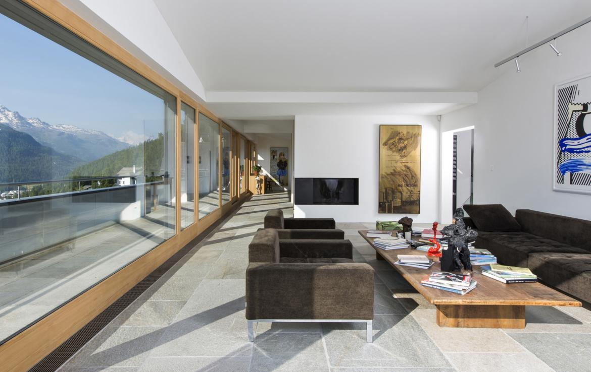 Kings-avenue- St-moritz-wifi-childfriendly-`parking-kids-playroom-games-room-gym-fireplace-wellness-area-hammam-area-st-moritz-002-3