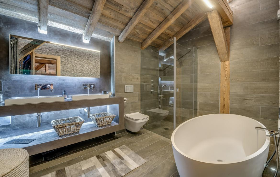Kings-avenue-various-alpine-resorts-snow-chalet-dvd-parking-cinema-gym-bar-area-pool-table-morzine-001-10