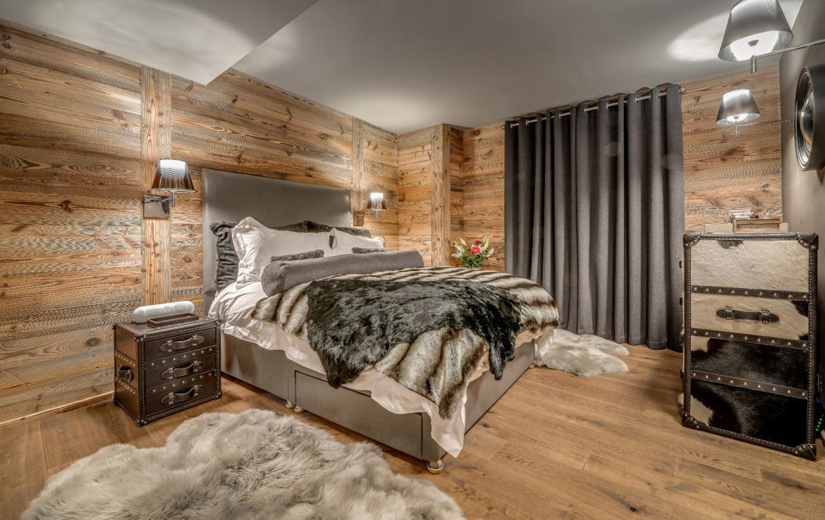 Kings-avenue-various-alpine-resorts-snow-chalet-dvd-parking-cinema-gym-bar-area-pool-table-morzine-001-11