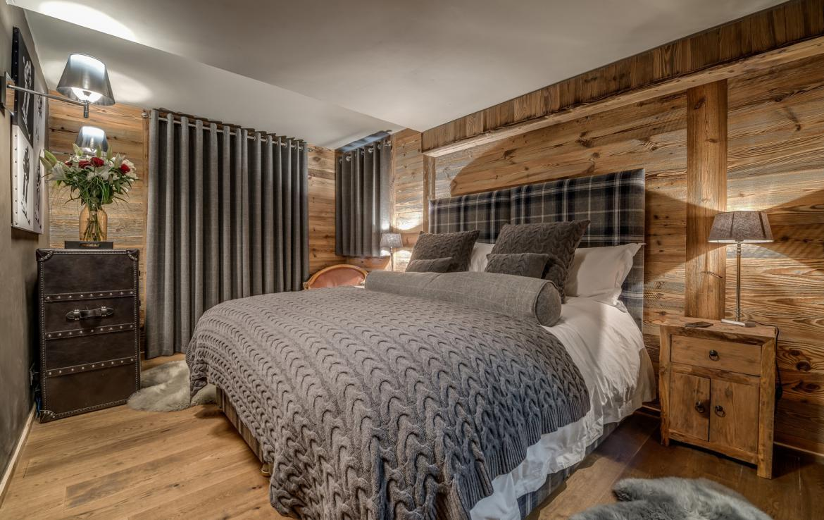 Kings-avenue-various-alpine-resorts-snow-chalet-dvd-parking-cinema-gym-bar-area-pool-table-morzine-001-12
