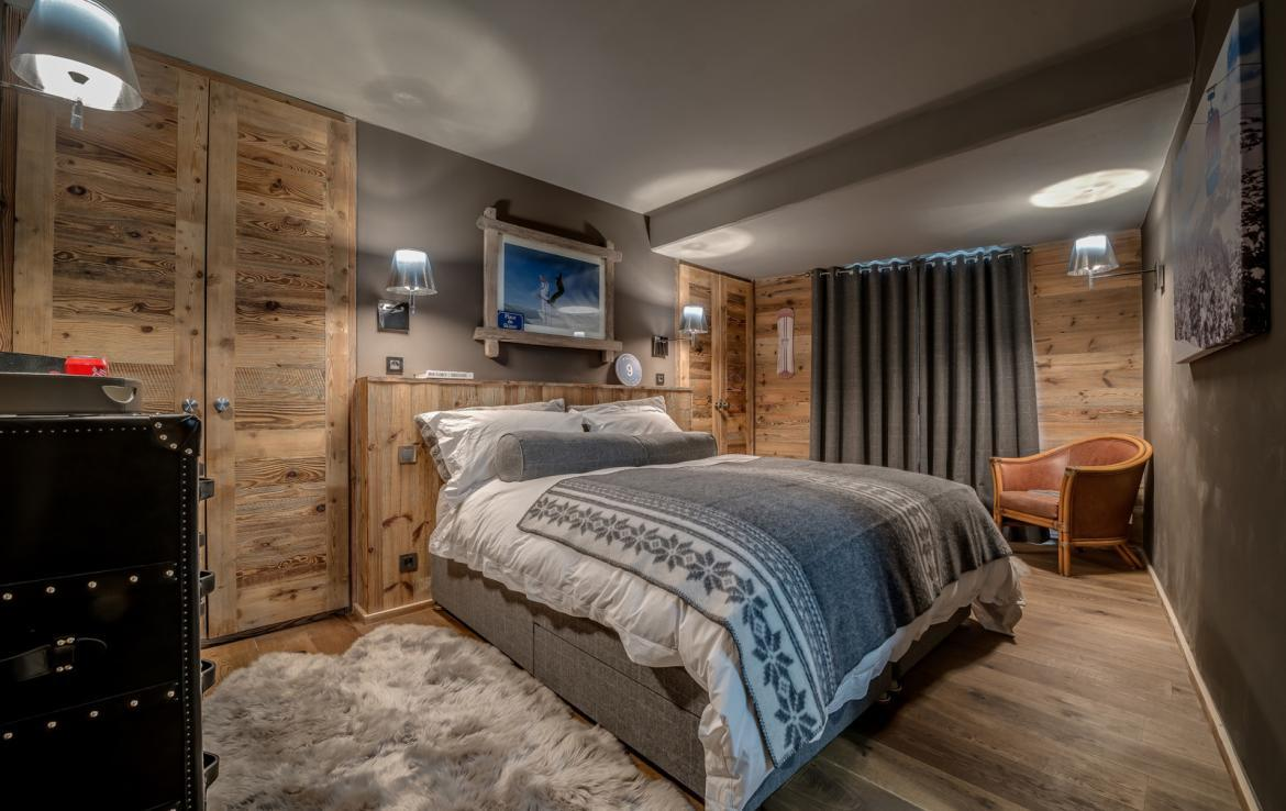 Kings-avenue-various-alpine-resorts-snow-chalet-dvd-parking-cinema-gym-bar-area-pool-table-morzine-001-14