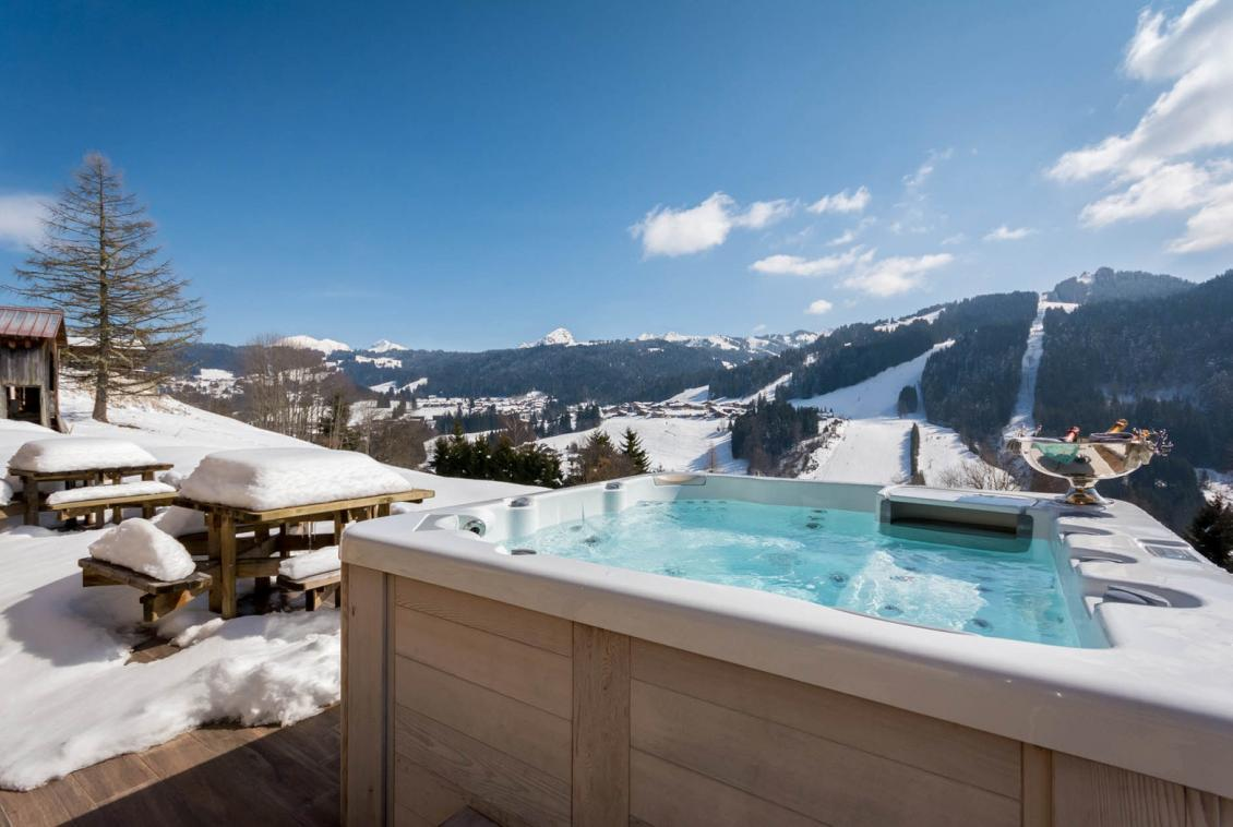 Kings-avenue-various-alpine-resorts-snow-chalet-sauna-outdoor-jacuzzi-fireplace-childfriendly-parking-les-gets-002-8