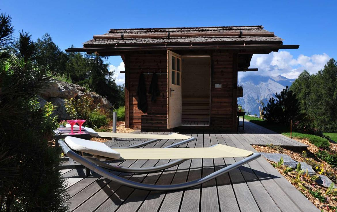 Kings-avenue-various-swiss-alps-sauna-jacuzzi-hammam-childfriendly-parking-fireplace-wine-cellar-treatment-room-cinema-area- Various-swiss-alps-001-5