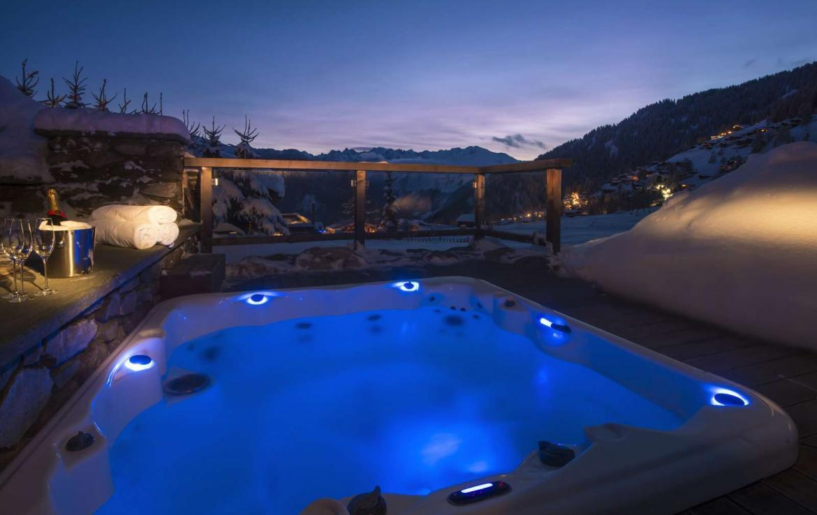 Kings-avenue-verbier-snow-chalet-outdoor-jacuzzi-parking-childfriendly-massage-room-081-14