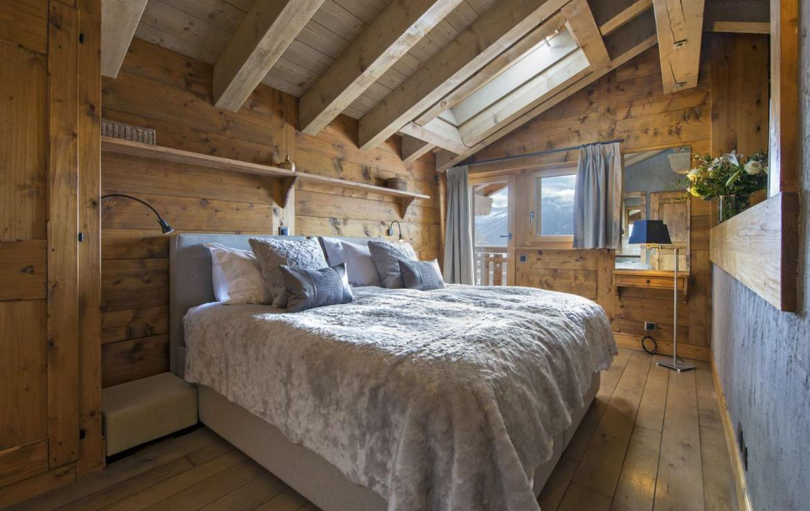 Kings-avenue-verbier-snow-chalet-outdoor-jacuzzi-parking-childfriendly-massage-room-081-9