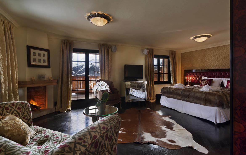 Kings-avenue-verbier-snow-chalet-sauna-jacuzzi-hammam-fireplace-sushi-bar-wine-cellar-001-17