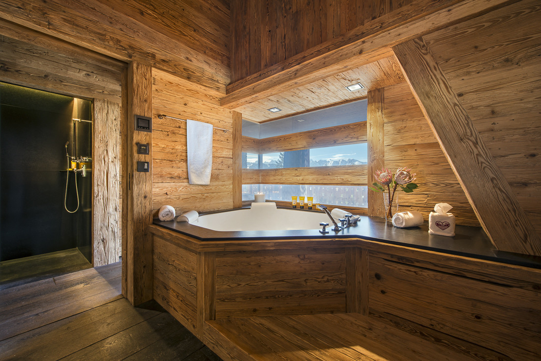 a magnificent alpine home in verbier. Black Bedroom Furniture Sets. Home Design Ideas