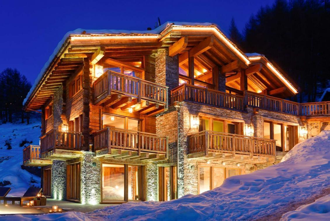 Kings-avenue-zermatt-snow-chalet-wi-fi-hammam-childfriendly-cinema-fireplace-01-1