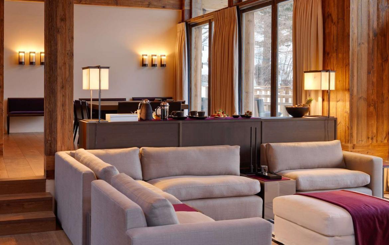 Kings-avenue-zermatt-snow-chalet-wi-fi-hammam-childfriendly-cinema-fireplace-01-6