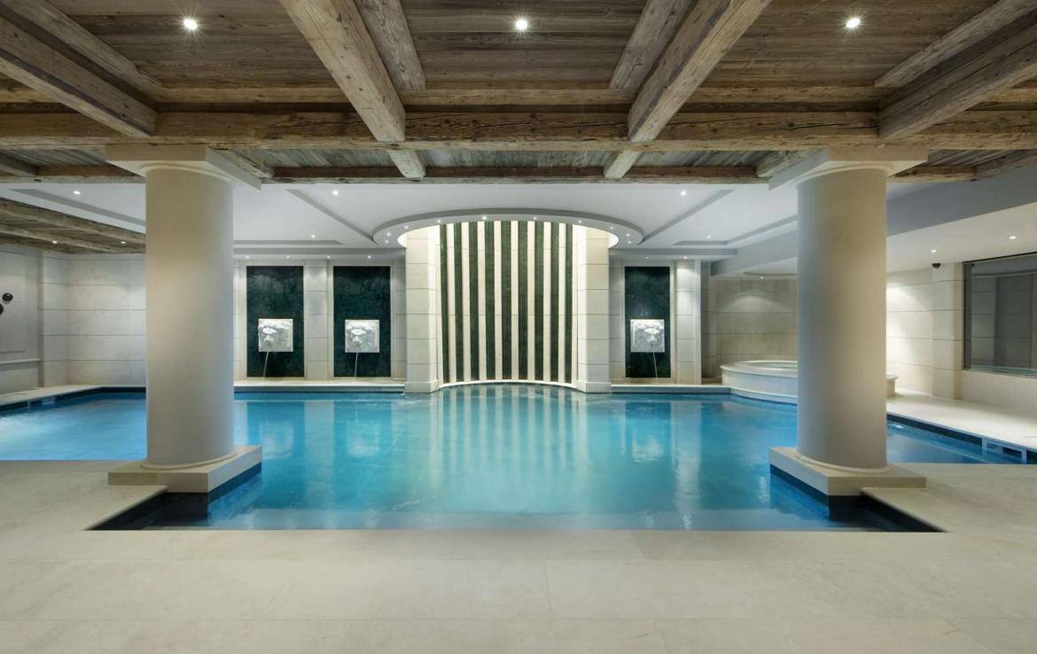 kings-avenue-luxury-chalet-courchevel-001-indoor-swimming-pool