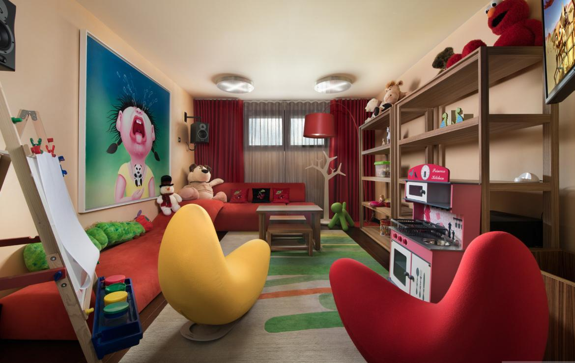 kings-avenue-luxury-chalet-courchevel-003-kids-playroom