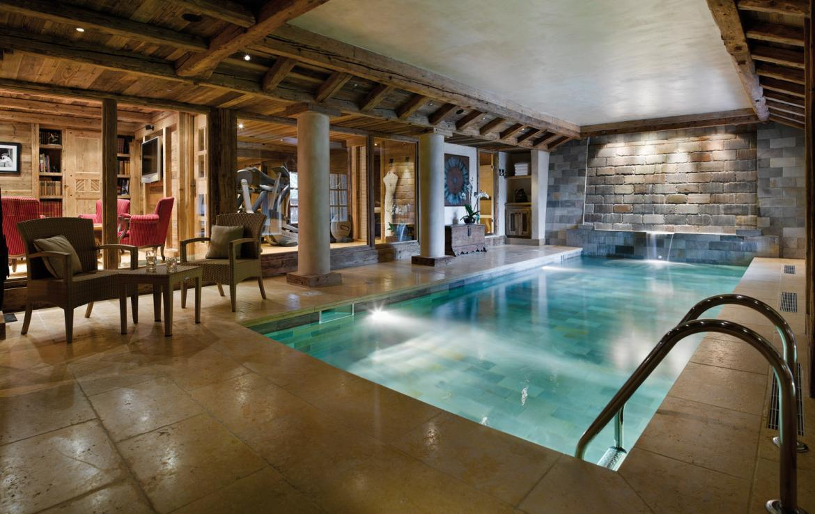 kings-avenue-luxury-chalet-courchevel-005-spa-area-with-inside-swimming-pool-gym-and-relaxation-area