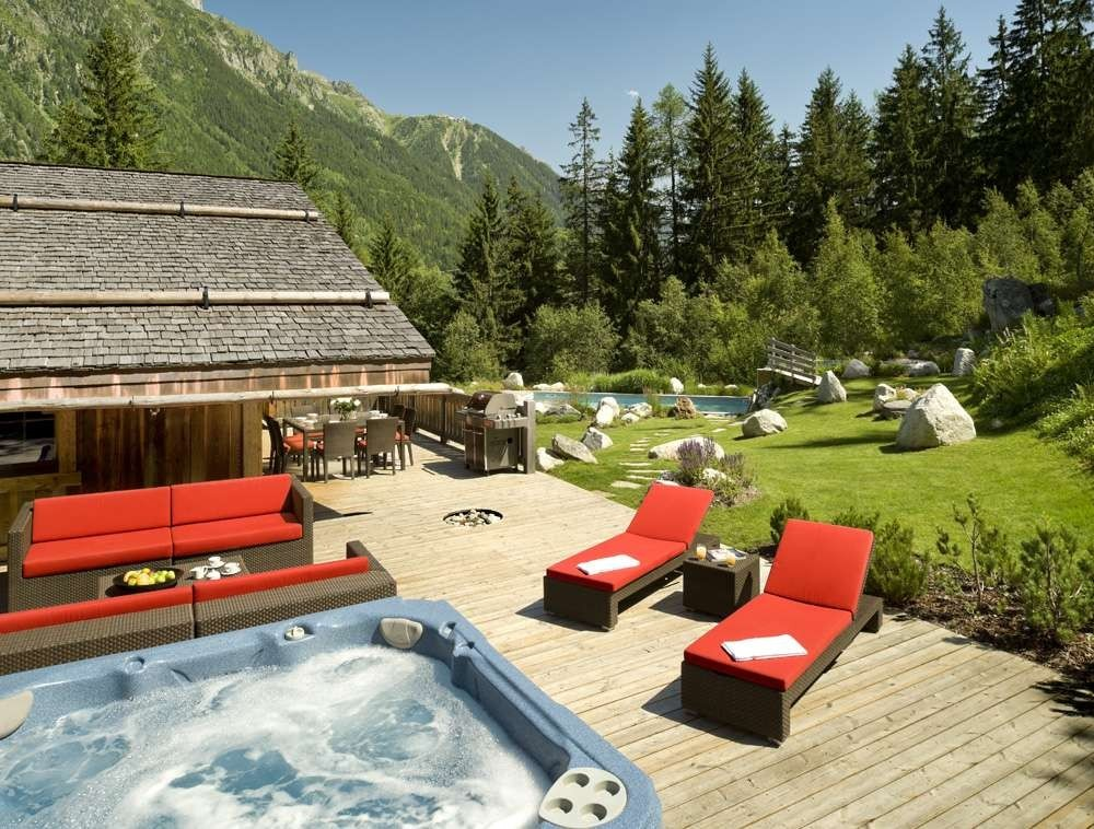 Kings-Avenue-Chamonix-Wifi-Sauna-Jacuzzi-Hammam-Swimming-Pool-Childfriendly-Parking-Cinema-Fireplace-Garden-Terrace-Spa-Area-Chamonix-003