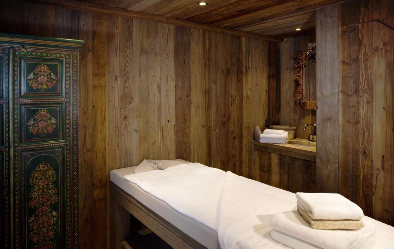 Kings-Avenue-Chamonix-Wifi-Sauna-Jacuzzi-Hammam-Swimming-Pool-Childfriendly-Parking-Cinema-Fireplace-Garden-Terrace-Spa-Area-Chamonix-003-11