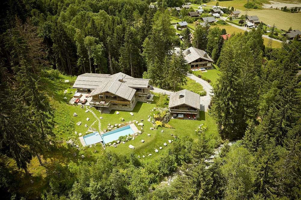 Kings-Avenue-Chamonix-Wifi-Sauna-Jacuzzi-Hammam-Swimming-Pool-Childfriendly-Parking-Cinema-Fireplace-Garden-Terrace-Spa-Area-Chamonix-003-3