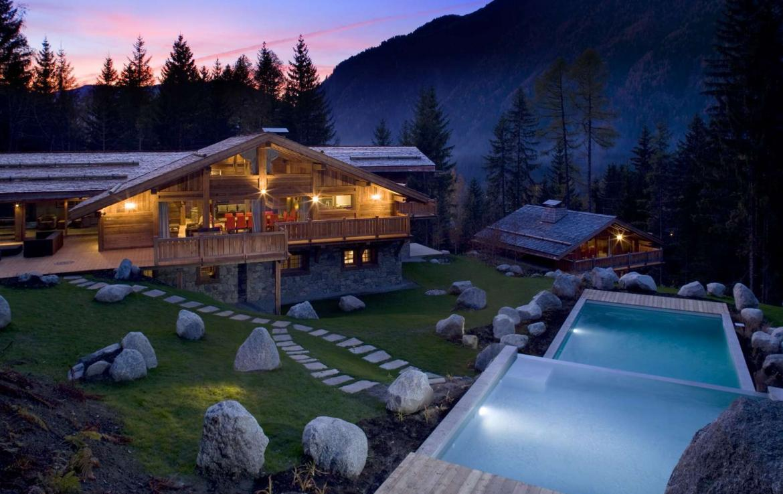 Kings-Avenue-Chamonix-Wifi-Sauna-Jacuzzi-Hammam-Swimming-Pool-Childfriendly-Parking-Cinema-Fireplace-Garden-Terrace-Spa-Area-Chamonix-003-4