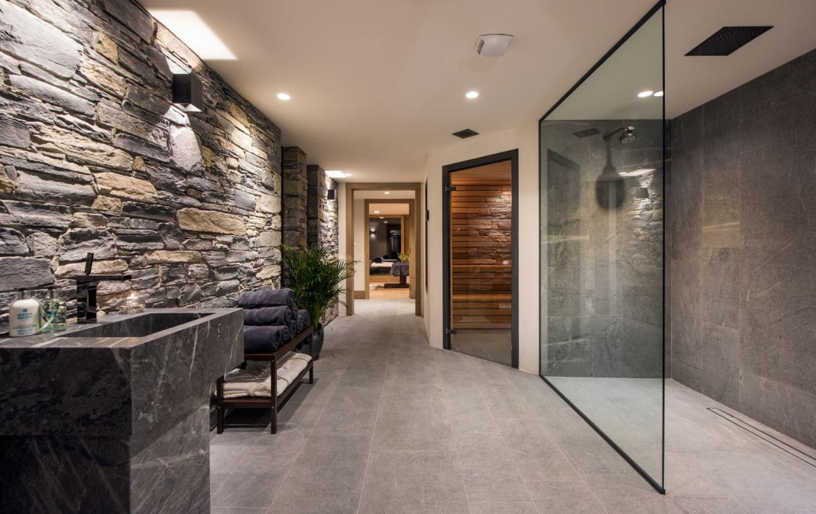 private wellness in luxury chalet meribel