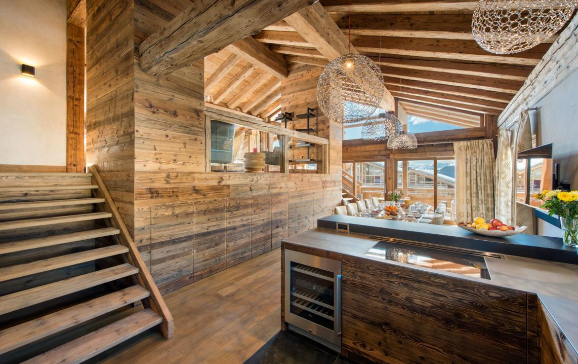 kitchen-dining-in-penthouse-verbier