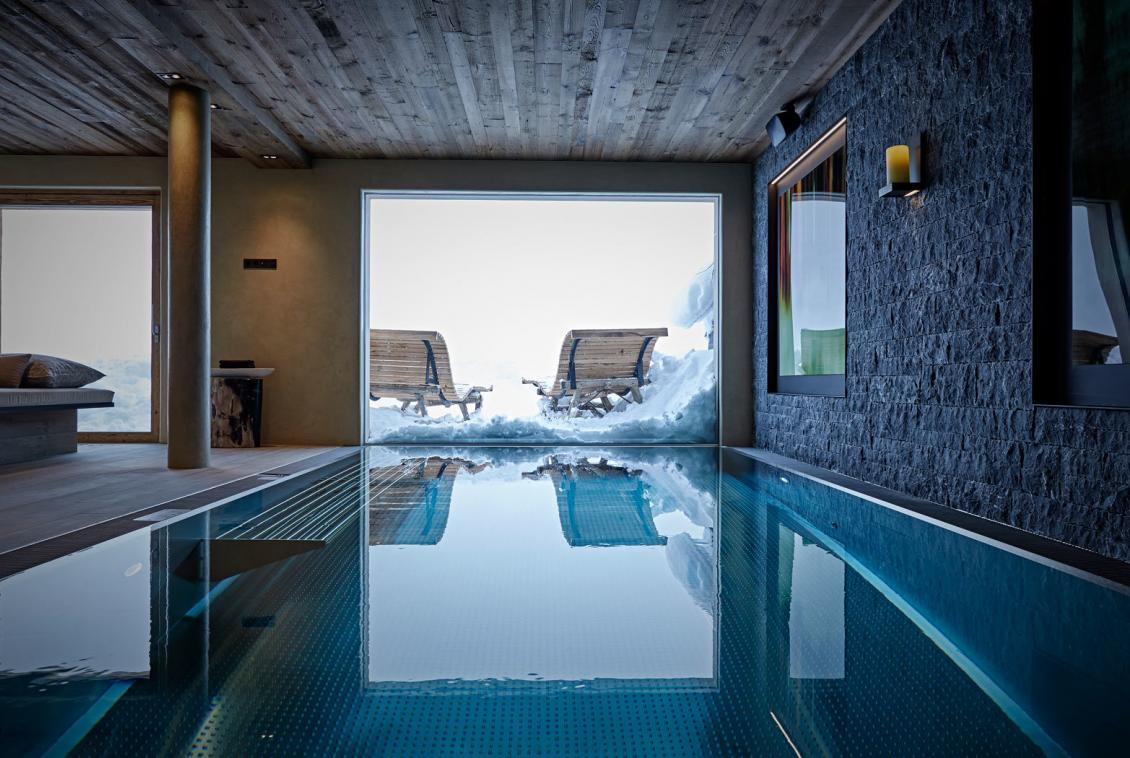 swimming-pool-chalet-lech