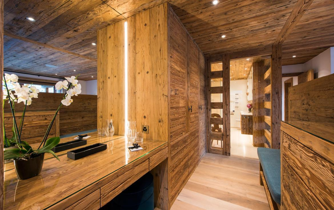 master-bedroom-3-chalet-verbier-kings-avenue